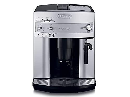 De'Longhi Magnifica ESAM 3200.S Kaffeevollautomat mit Milchaufschäumdüse für Cappuccino, mit Espresso Direktwahltaste, 2-Tassen-Funktion, großer 1,8 Liter Wassertank, silber